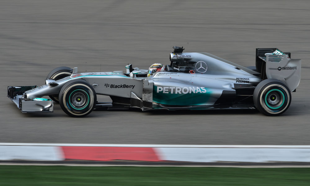F1 Spain 2016 Qualification: Lewis Hamilton clinches pole as Mercedes lock out front row