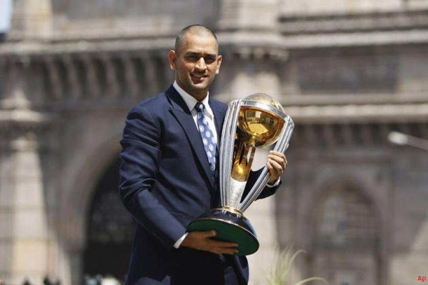 Dhoni steps down as limited overs captain